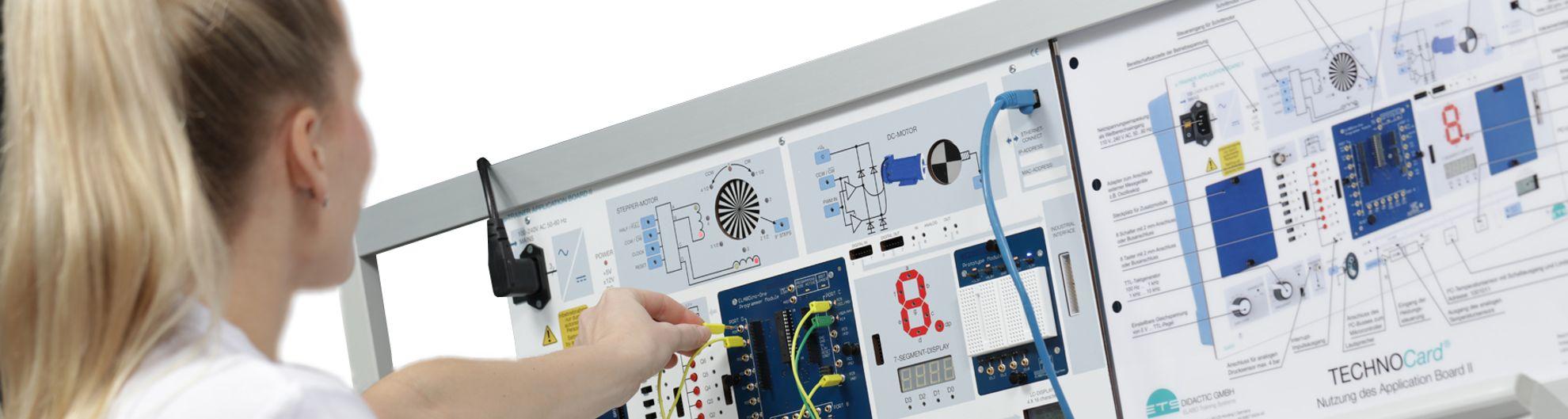 Mikrocontrollertechnik mit ELABOino-One für µ-Trainer II